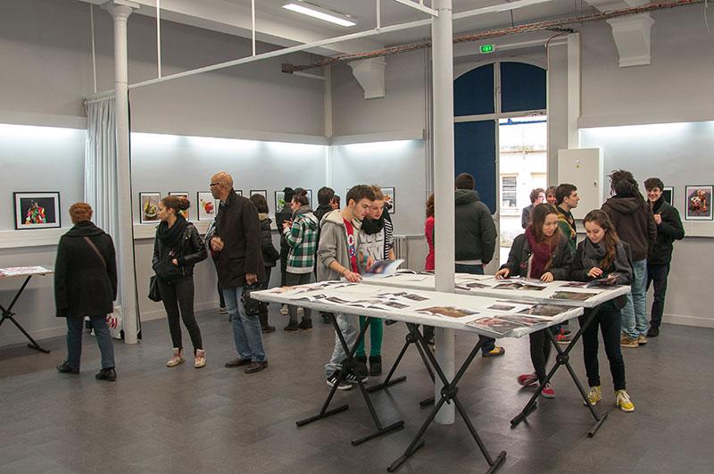 Le studio du lycée brassaï transformé en lieu d'exposition le temps des portes ouvertes